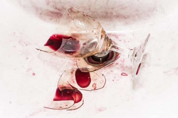 broken-wine-glass