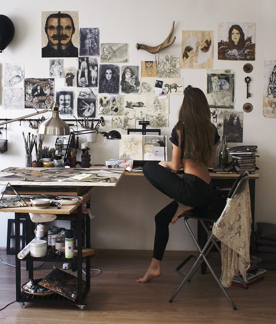 morning-natalieruka-artist-bedroom-artist-workspace-dream-studio-room-goals-E0555ee05c2def6ba5dfa839872e0142a